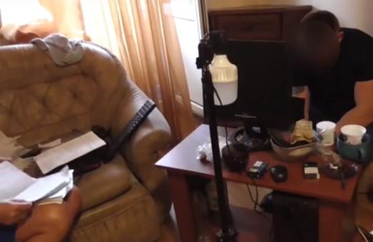В Харькове полицейские прикрыли  онлайн-порностудию (ВИДЕО)