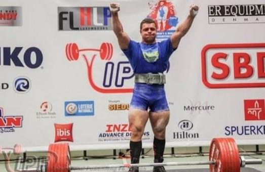 На чемпионате мира по пауэрлифтингу в Швеции Сергей Белый занял второе место