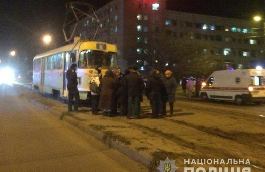 Харьковчане на полчаса заблокировали движение трамваев из-за отсутствия отопления