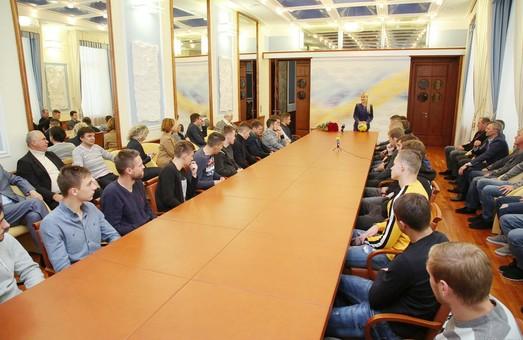 Нам удалось создать настоящий боевой коллектив и вернуть футбол в Харьков -  Светличная