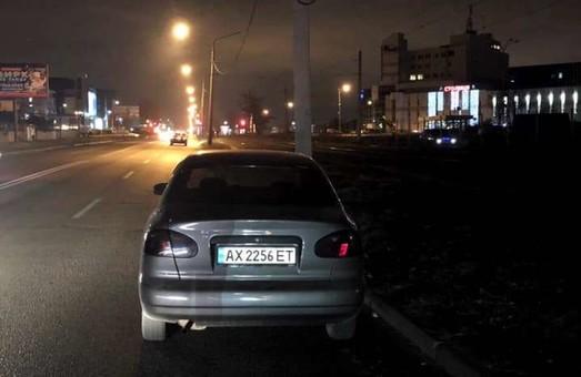 В Харькове иномарка сбила двух пешеходов (ФОТО)