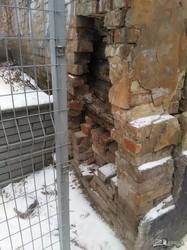 Харьковчане бьют тревогу по аварийному дому в центре города возле школы (ФОТО)
