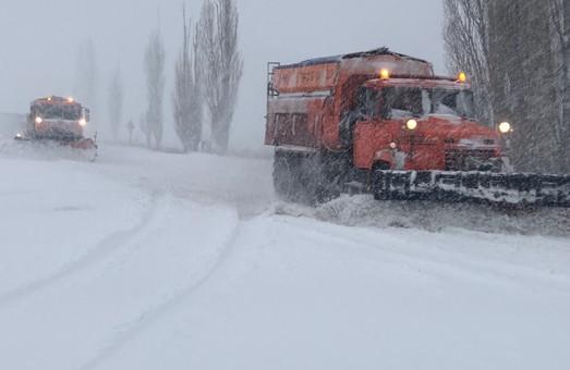 Снегопад на Харьковщине: обесточены более ста населенных пунктов