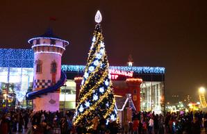 Новый год в парке Горького: конкурсы, концерты и пиротехническое шоу