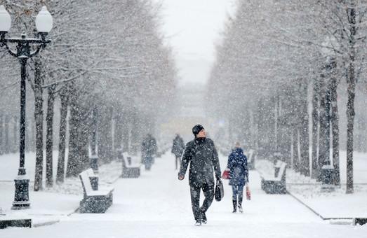 Мокрый снег и шквальный ветер: харьковчан предупреждают об ухудшении погоды