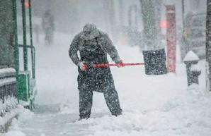 На выходных в Харькове - снег и метель