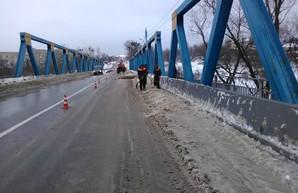 Как расчищают от снега трассы в Харьковской области (ФОТО)