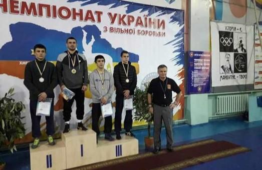 Харьковские борцы успешно выступили на чемпионате Украины