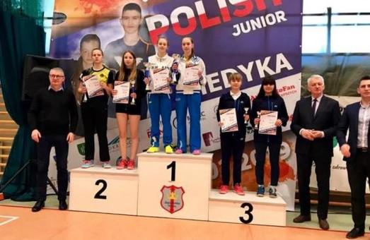Харьковские бадминтонистки с медалями вернулись из Польши