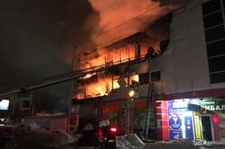 В Харькове сгорел торговый центр (ФОТО, ВИДЕО)