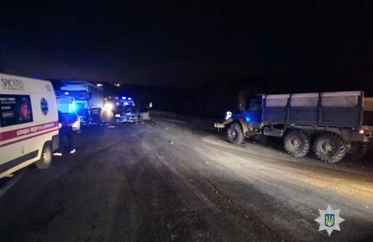 В масштабном ДТП под Харьковом травмирован водитель иномарки (ФОТО)