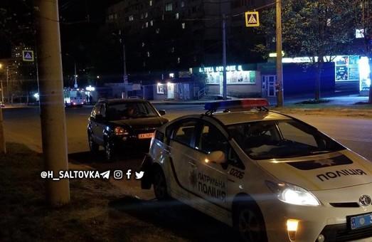 В Харькове патрульный Prius столкнулся с иномаркой