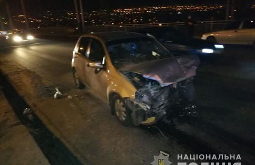 В Харькове в лобовом столкновении двух иномарок погиб один человек, двое травмированы (ФОТО)