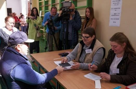 Кернес: Я голосовал за то, чтобы люди в Украине жили, а не выживали
