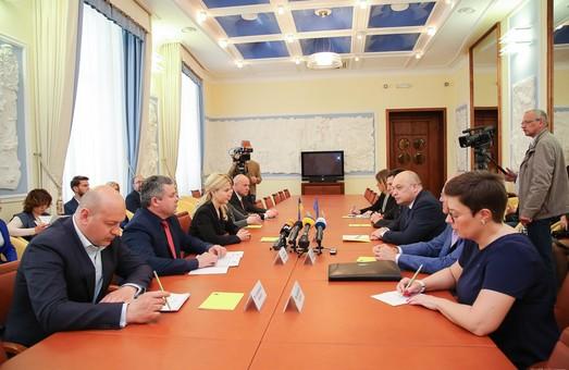 Светличная обсудила с главой делегации КМЕС  реализацию программ безопасности на Харьковщине