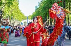 Чайная церемония, мастер-классы и гала-концерт: парк Горького приглашает на Карнавал культур