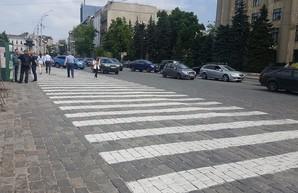 В горсовете предлагают перенести палатку «Все для победы» на площадь Защитников Украины