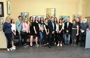 «Мистецтво Слобожанщини» приглашает на встречу с авторами выставки «Дарю мастерство»