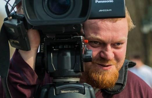 Столкновения на «Барабашово»: Избитый журналист находится в реанимации