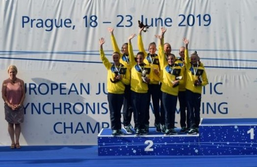 Харьковские синхронистки с медалями вернулись с чемпионата Европы