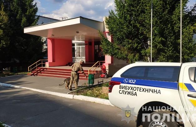 Минирование избирательных участков в Харькове: Информация не подтвердилась (ФОТО)
