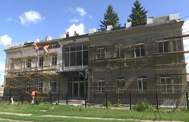 В здании Золочевской музшколы завершают реконструкцию