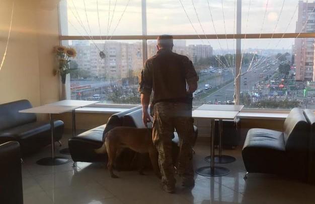В Харькове искали взрывчатку в больницах, жилых домах и ТЦ