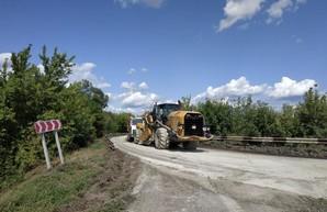 На дороге Мерефа - Лозовая - Павлоград строят площадки для весовых комплексов