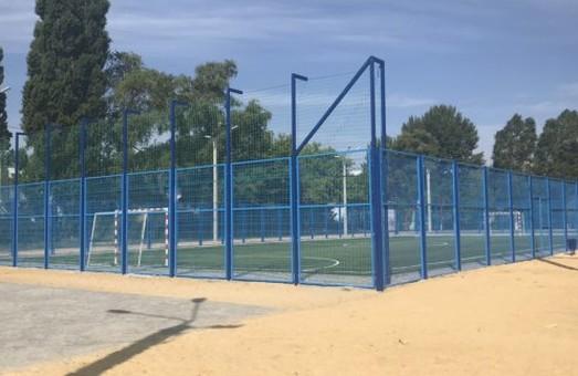 К 1 сентября в школе на Салтовке откроют новый стадион
