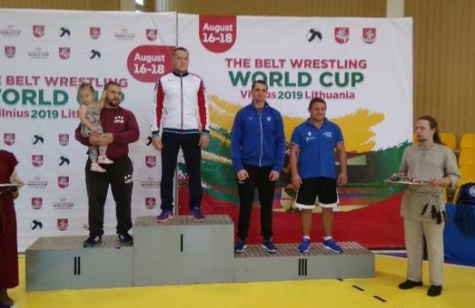 Руслан Русанов стал призером Кубка мира по борьбе на поясах