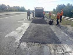 На Окружной под Харьковом продолжается ремонт моста (ФОТО)