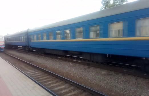 Смерть на Харьковщине: самоубийца бросился под поезд