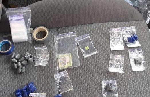 Поймали на горячем: в Харькове разоблачили закладчиков