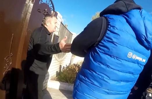 Харьковские активисты наведались к бизнесмену, нокаутировавшему девушку на «пешеходке»