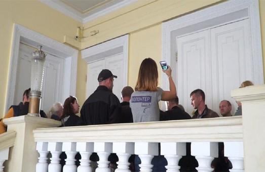 Недопуск активистов на сессию горсовета Харькова: дело дошло до суда