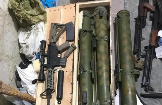 Стрельба на Клочковской: найден склад оружия погибшего стрелка (ФОТО)