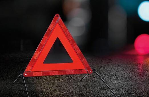Под Харьковом водитель сбил насмерть девушку и сбежал