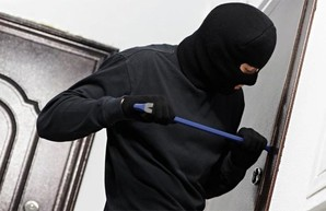 Двух квартирных воров поймали в Харькове на горячем