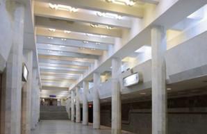 Под утро в харьковском метро открыл стрельбу полицейский (ФОТО)