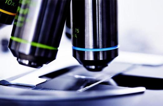 Биологам харьковского вуза купили микроскоп за 1 миллион