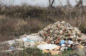 Экоинспекторы нашли под Харьковом незаконные свалки (ФОТО)