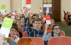 Харьковские школьники едут на межрегиональные дебаты проекта «Молодь дебатує»
