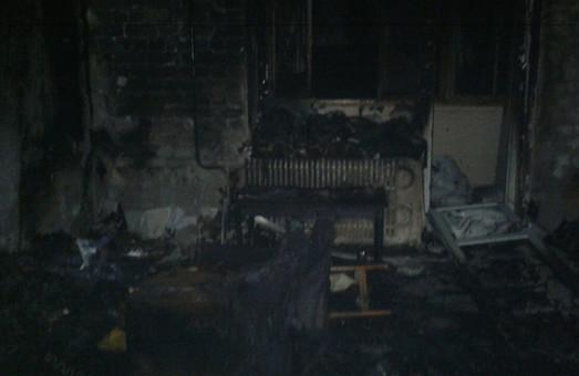 Пожар в харьковской многоэтажке: погибла женщина, пострадали дети