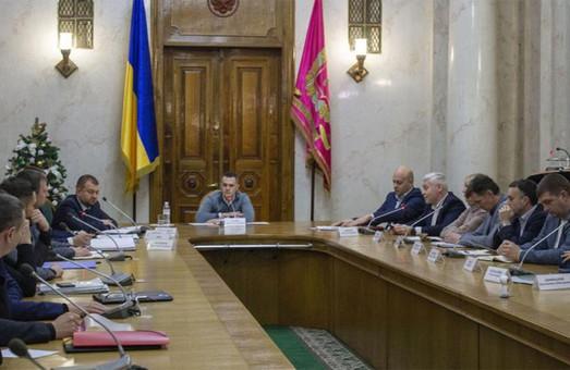 Скандальная дорога через Барабашово: Кучер вызывает Кернеса на совещание