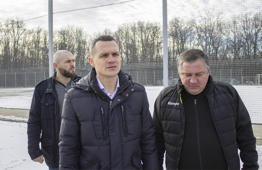 Кучер пообещал восстановить бывшую базу «Металлиста» под Харьковом