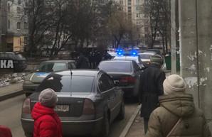 Спецоперация в Харькове: в высотке нашли боевую гранату, людей эвакуируют