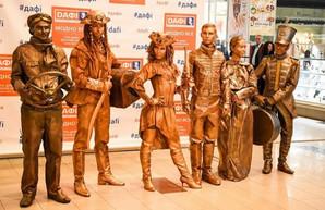 Живые скульптуры вернулись: в Харькове - Фестиваль уличного искусства (ФОТО)