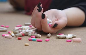 Харьковская школьница отравилась полусотней таблеток