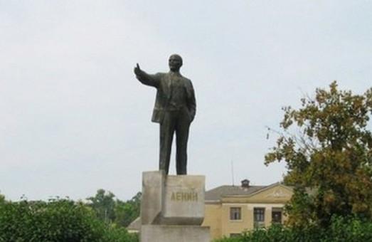 Активисты нашли в Харькове еще два памятника Ленину