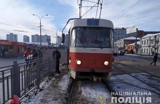 В Харькове трамвай сбил женщину на пешеходном переходе (ФОТО)